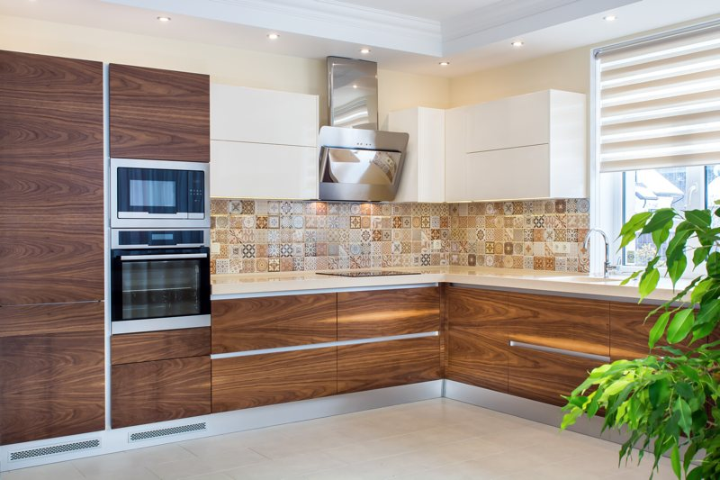 Benefits Of Using Real Wood Veneer For Kitchen Cabinet Refinishing